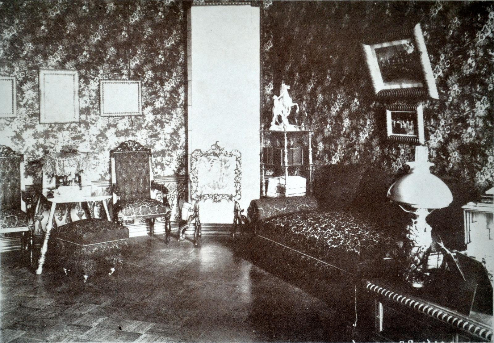 Гостиная в доме вятского губернатора