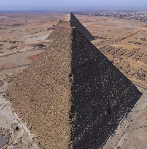 360° View of the Great Pyramids of Giza.