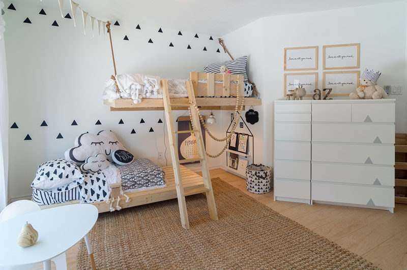 Эту причудливую и функциональную спальню мама спроектировала для своих двух детей (7 фото)