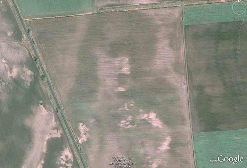 11. Лицо Иисуса Христа в Google Earth. Сходство одного из полей Венгрии с лицом мессии заметил 26-ле