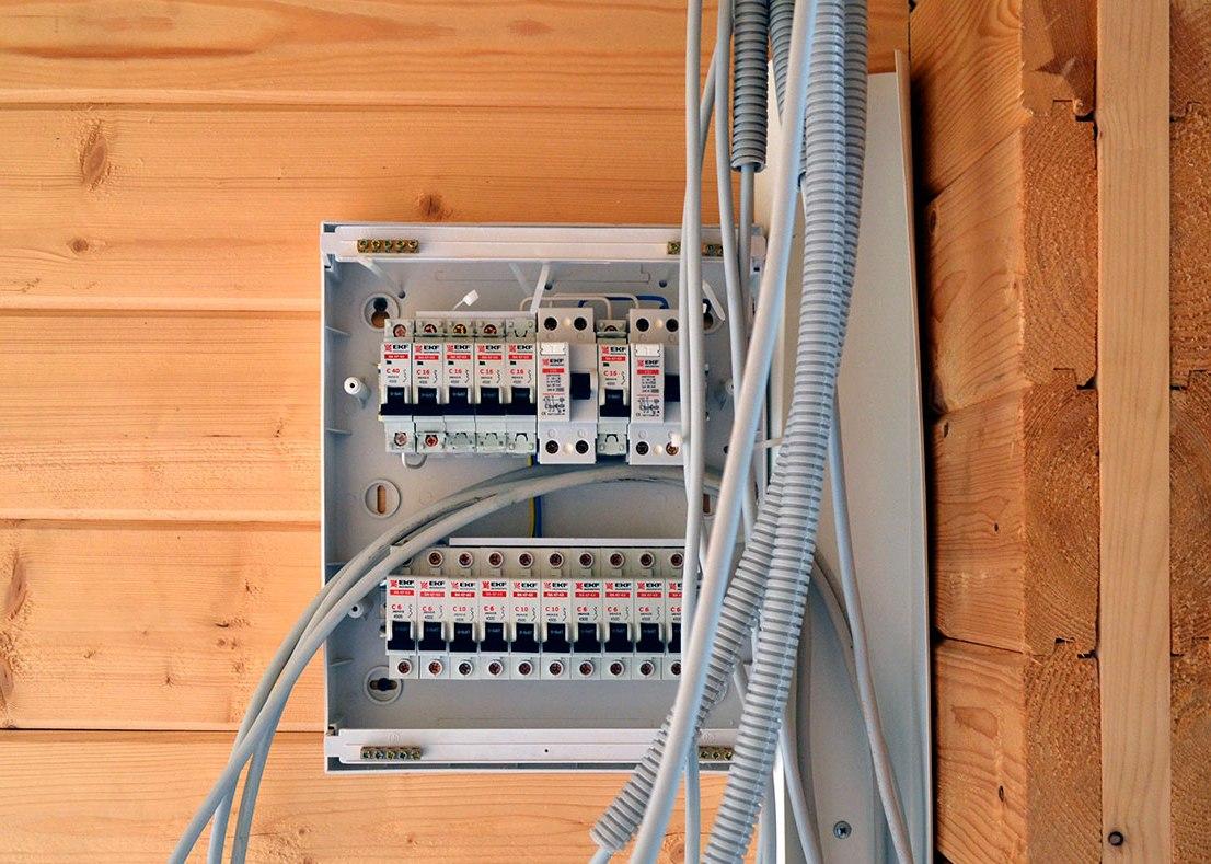 Электроразводка в бане (2 фото)