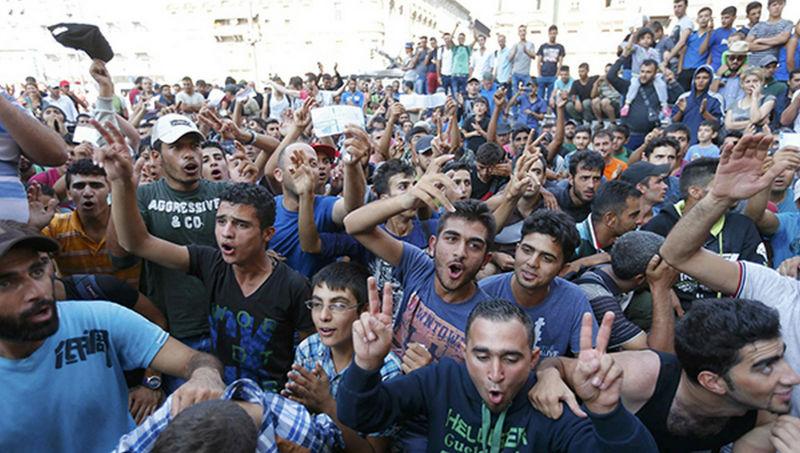 ВГерманию за2016 год прибыли неменее 200 000 беженцев