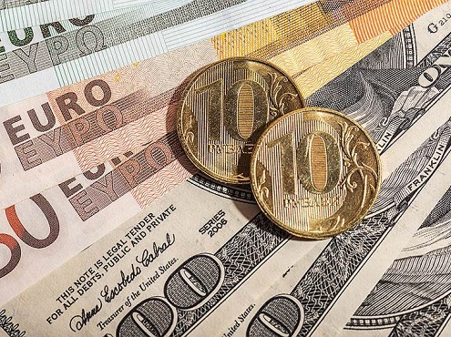 Официальные курсы доллара иевро вновь растут