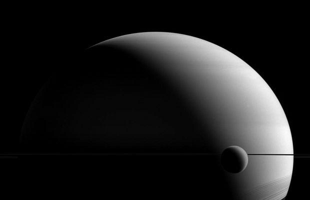 NASA показало видео метановых облаков наспутнике Сатурна