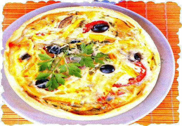 Пирог с баклажанами, помидорами и маслинами