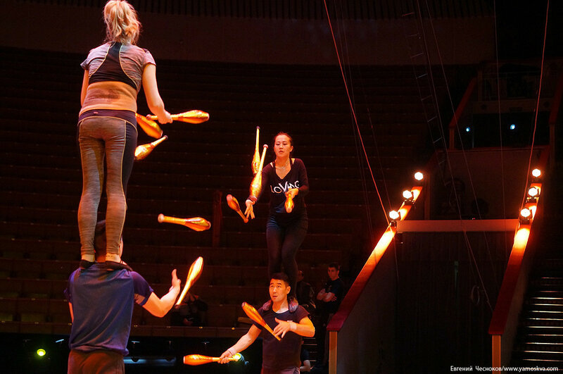 Цирк Бурятии. 10А. жонгляж Огонь. 01.11.16.01..jpg