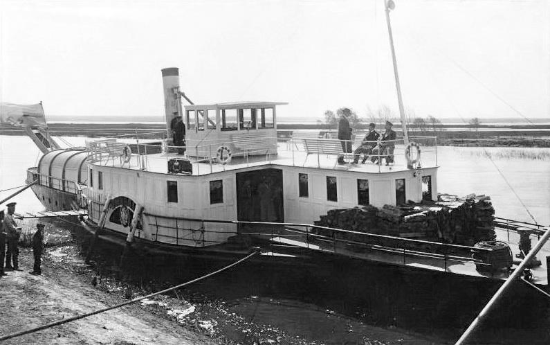 """Открытка с видом Кургана. Разлив Тобола. Пароход """"Тюмень"""". 1914 г."""