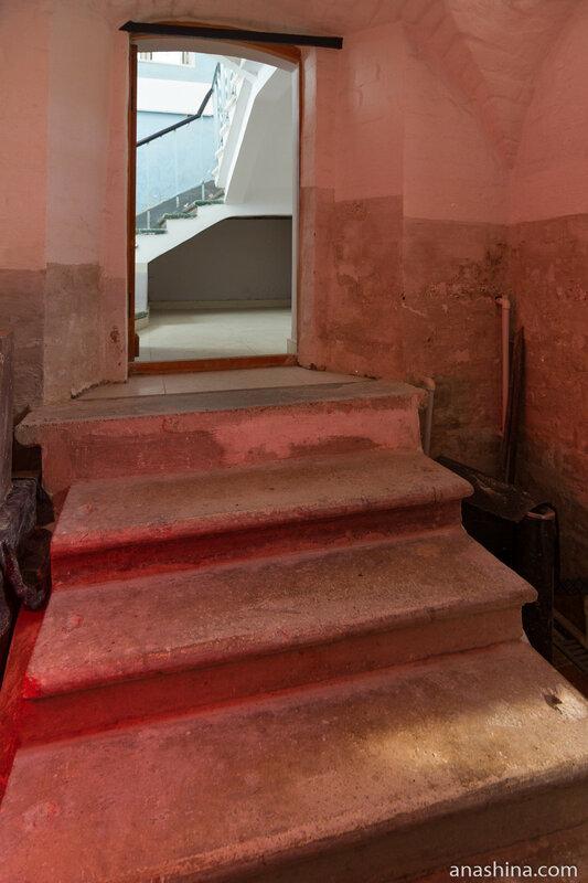 Современная лестница, палаты Аверкия Кириллова