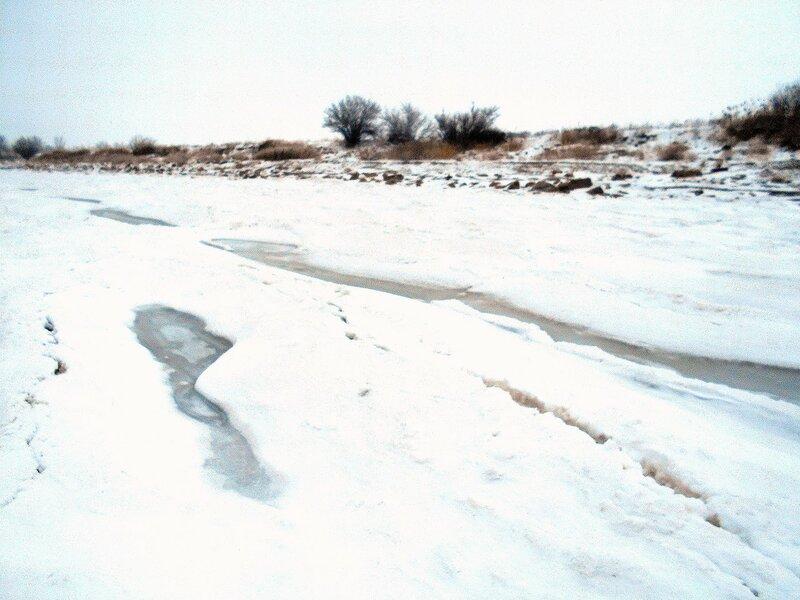 На льду ... В походе декабрьском, снежно-туманном,