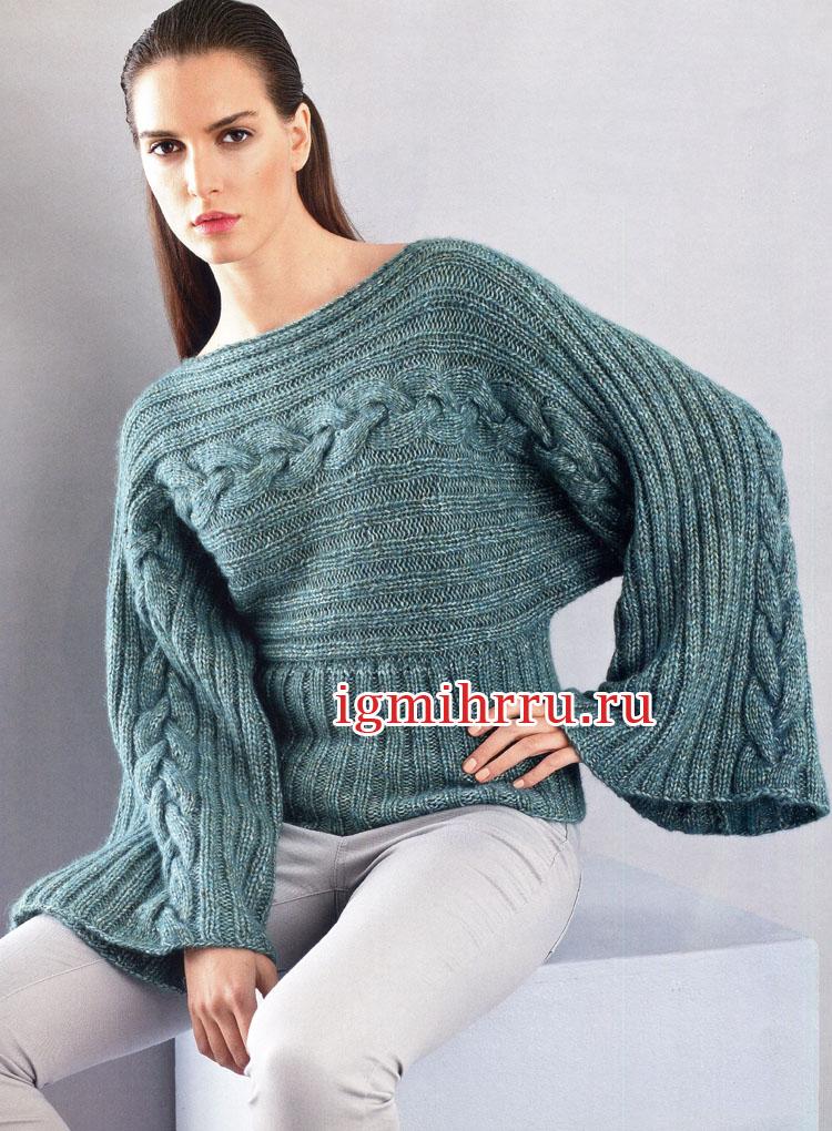 Сине-зеленый пуловер с косами, связанный поперек. Вязание спицами