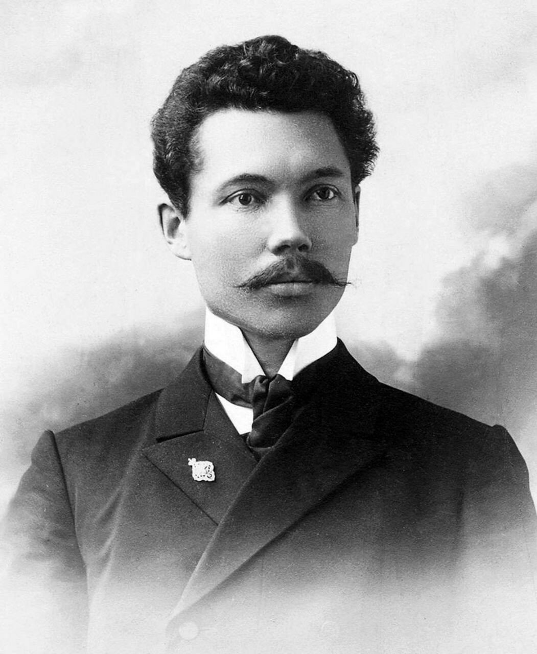 К. Н. Титов(1880–1944) — кандидат богословия, преподаватель Челябинской учительской семинарии (открытой в 1910 году) и реального училища