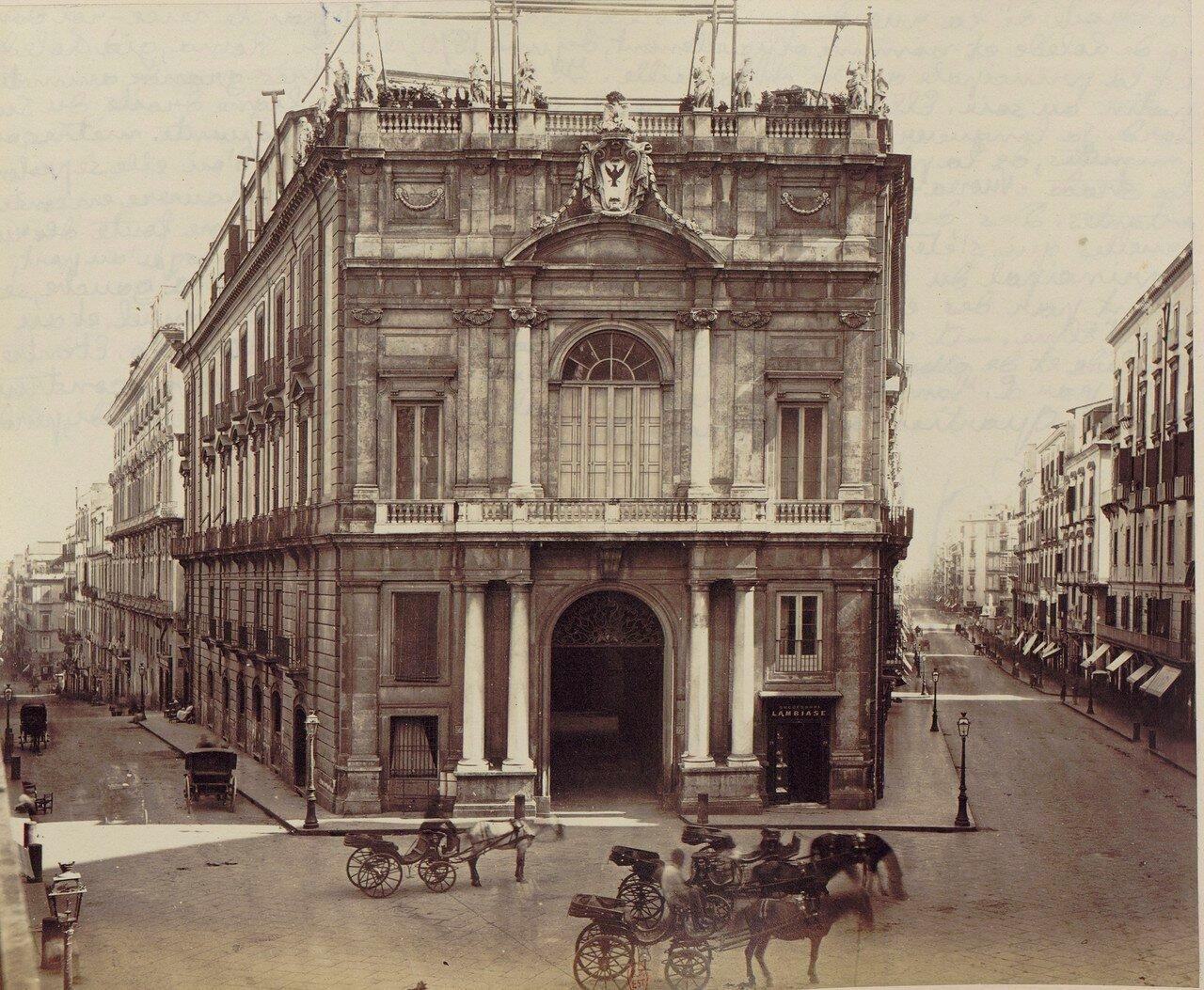 34. Улица Толедо и Палаццо Дория д'Ангри