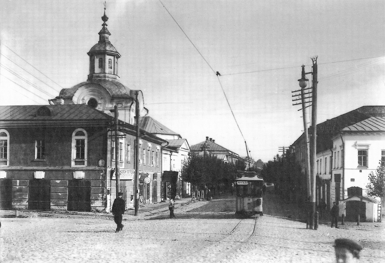 Ново-Петербургская улица и Нижне-Никольская церковь
