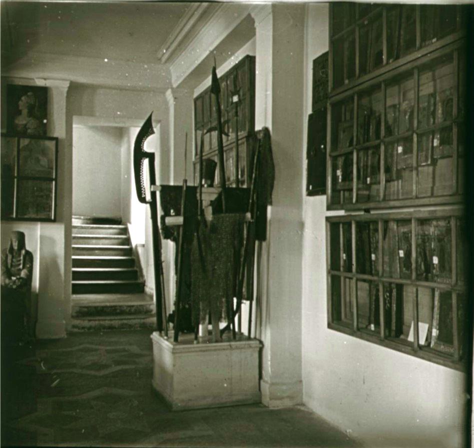 10. Вид зала русских древностей (правая сторона)