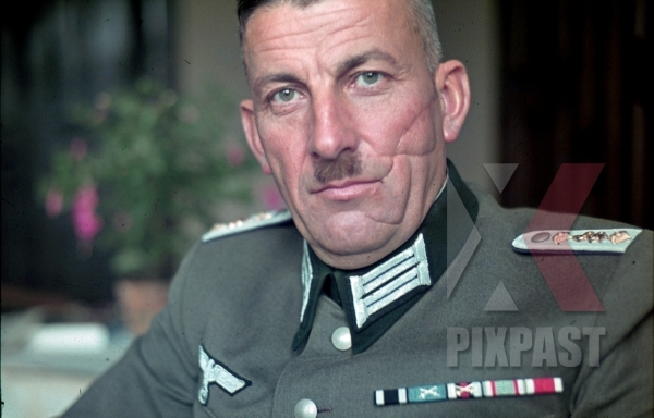 stock-photo-german-wehrmacht-army-doctor-with-scar-on-his-face-8545.jpg