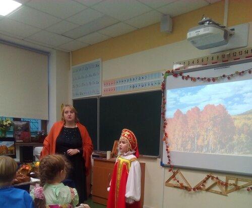 10б Выступление ОА и Полины Низьевой.jpg