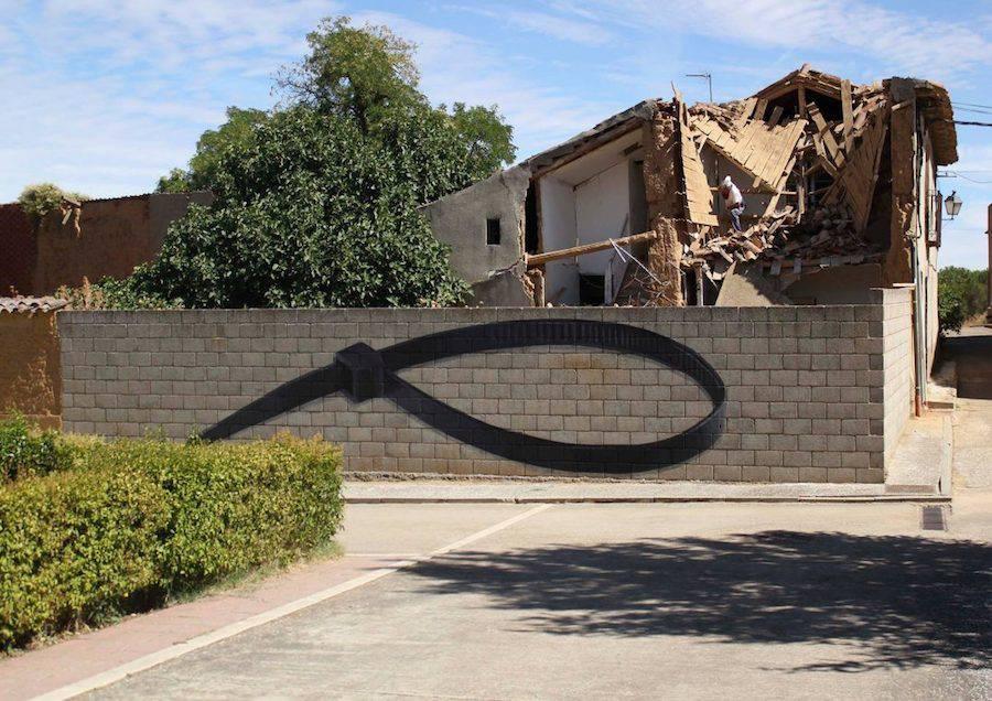 Громадные граффити мелких предметов от Ampparito