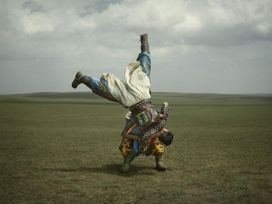 «Монгольская борьба — это как идти на войну» (13 фото)