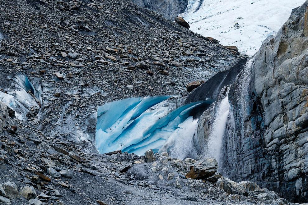 14. Ледник Exit. Общим условием образования ледников является сочетание низких температур возду