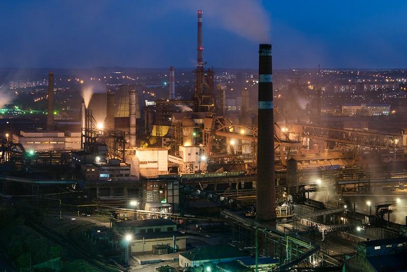 Из-за блокады Донбасса закончил свою работу Донецкий металлургический завод