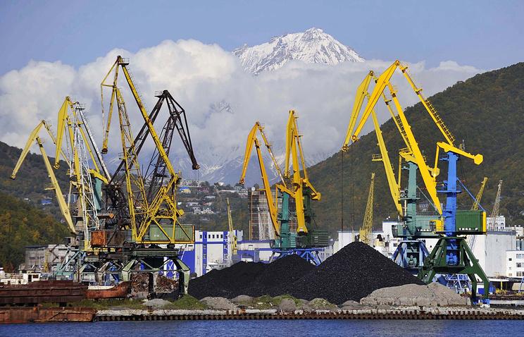 Перегрузка угля вСоветской Гавани приостановлена натри месяца