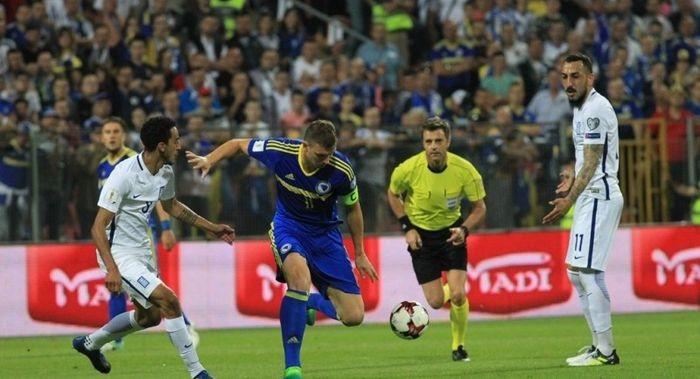 Греция: страшной потасовкой футболистов завершился матч Босния иГерцеговина