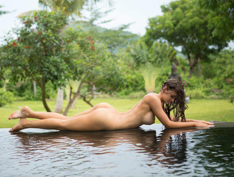 #ЭротичноеБали - Эшли МакОлиф / Ashleigh McAuliffe nude by Cassandra Keyes - Volo Magazine september 2016