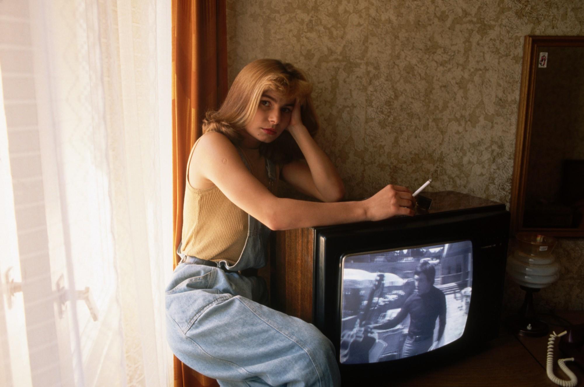 1991. Девушка в синих джинсах в гостинице Москва