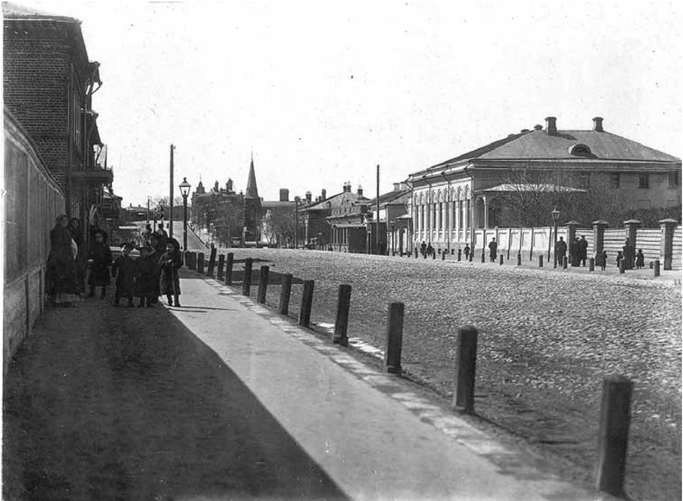 Дворянская улица. Вид с востока на Студеную гору