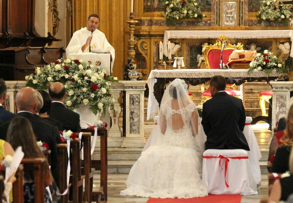 Венчание в Катании. Базилика Колледжата