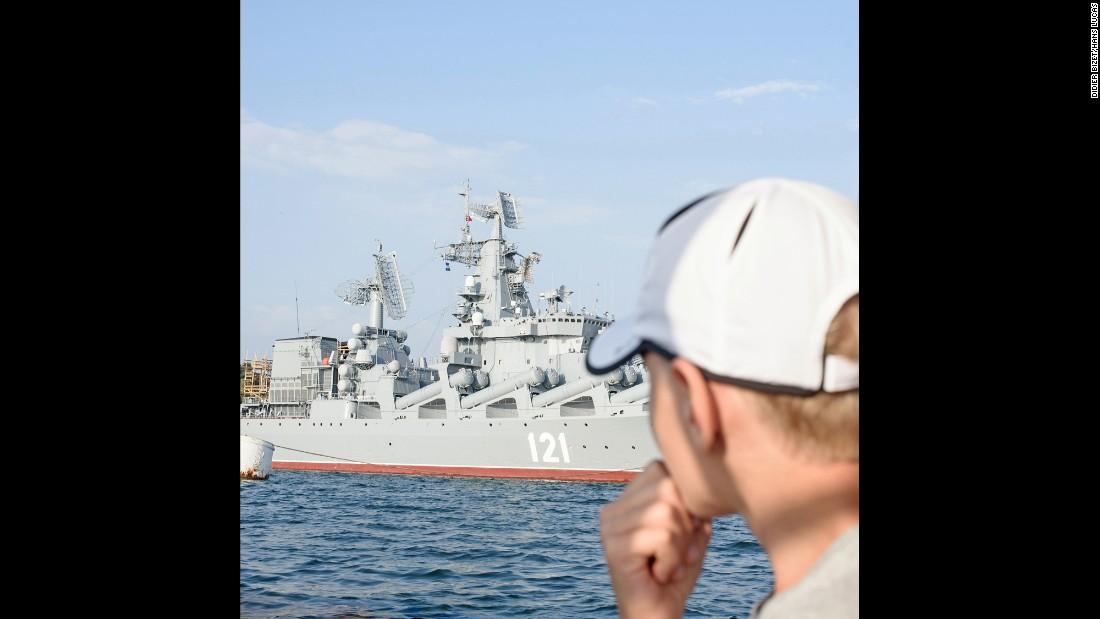 «Одно из самых популярных мест в Крыму называется Ласточкино гнездо. Это памятник архитектуры на вер