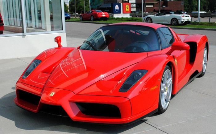 7. Энцо Феррари 2003 Этот 12-цилиндровый спортивный автомобиль был выпущен партией в количестве 400