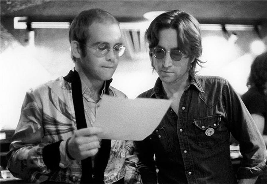 12. Элтон Джон и Джон Леннон, 1974.