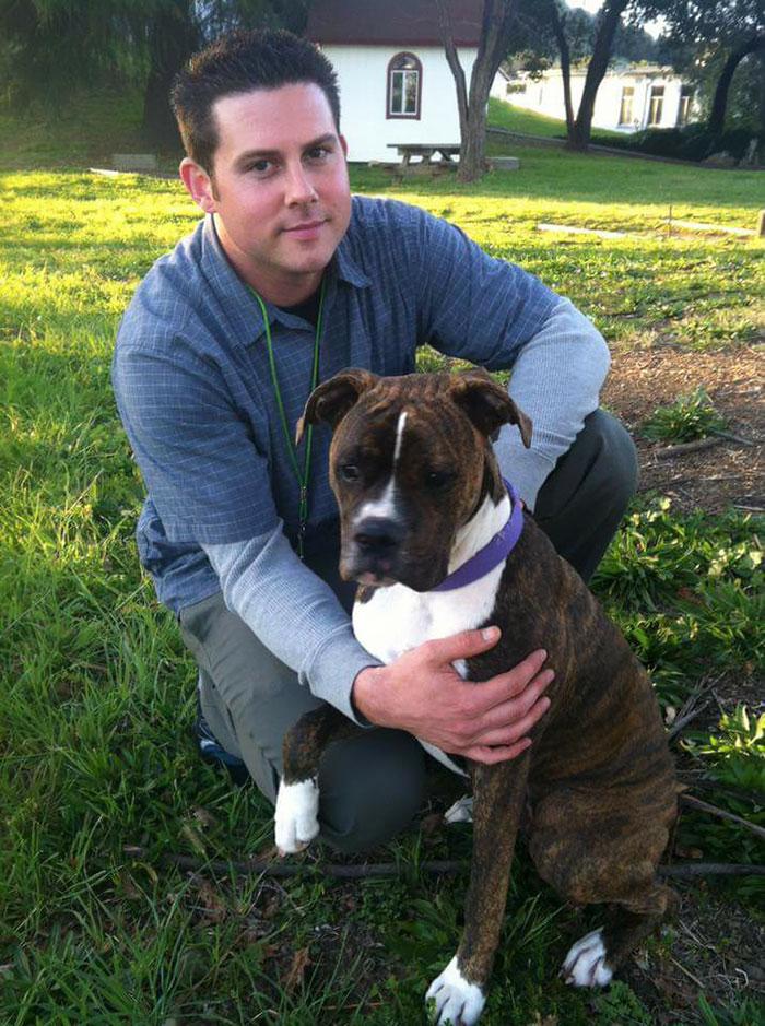 «Больница совершила самый добрый поступок для нас и позволила нам привести собаку брата, чтобы она с
