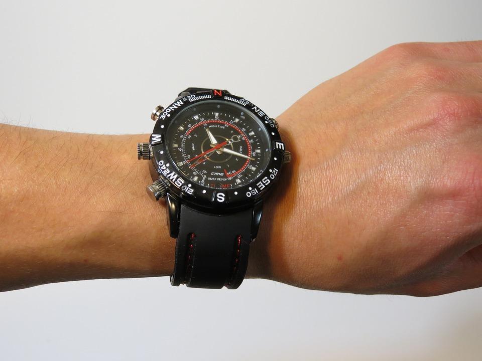 Ученые изобрели умные часы, предупреждающие человека оболезни