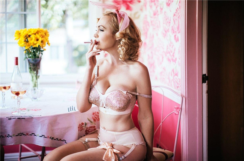 Джоли Блон и Джиа Женевьев / Gia Genevieve & Jolee Blon by Jen Senn - Galore Magazine / 22 ways to embrace your inner pin-up girl