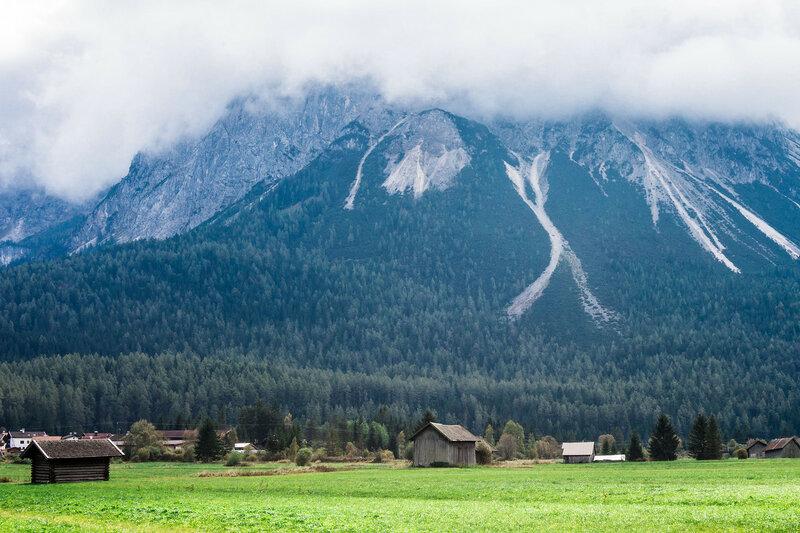 гора над городом Лермоос, Альпы