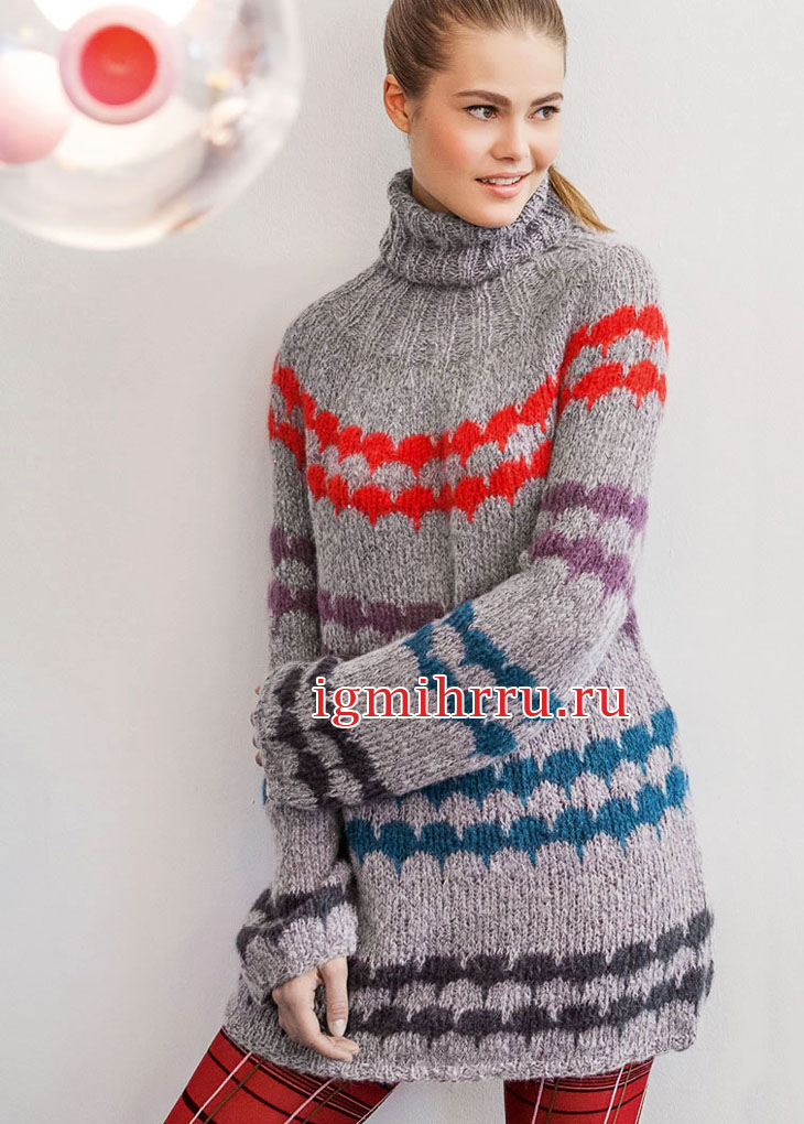 Удлиненный теплый свитер с круглой кокеткой. Вязание спицами