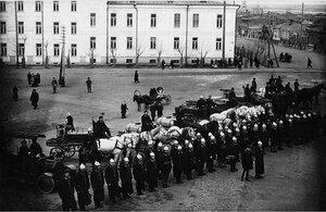 Челябинск. Парадный строй пожарной охраны города на площади Революции. 1923