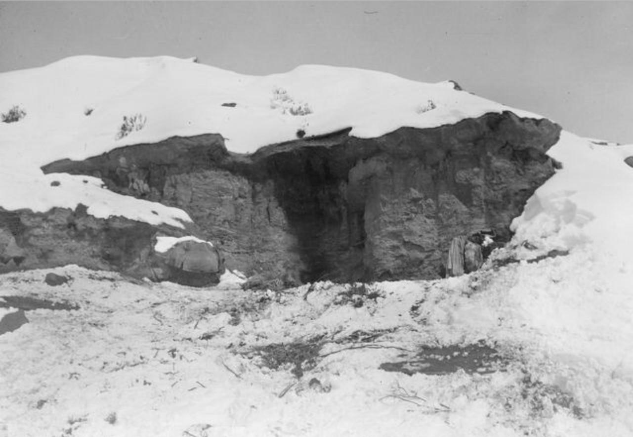 Жилища пастуха в долине Аватин в окрестностях  Гызыл-Булагин