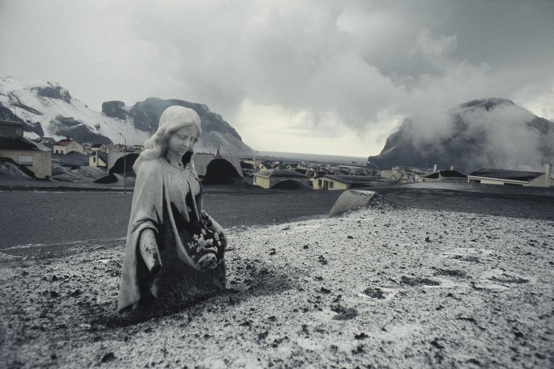 Вестманнаэйяр. Похороненное под слоем пепла городское кладбище