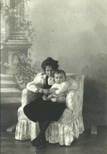 1903. Дети Саввы Морозова - Мария и Савва