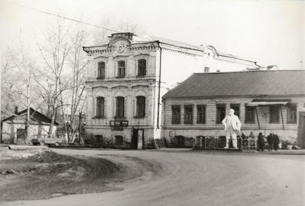 Демонтированный памятник ленину в Арамиле