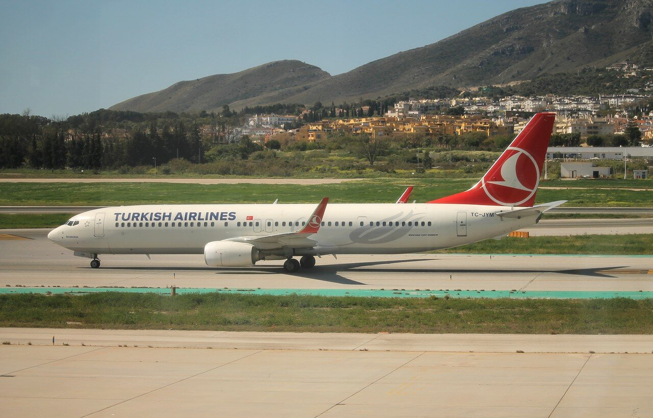 Аэропорт Малага-Коста-дель-Соль. Boeing 737-9F2/ER Turkish Airlines TC-JYM  'Inceburun'