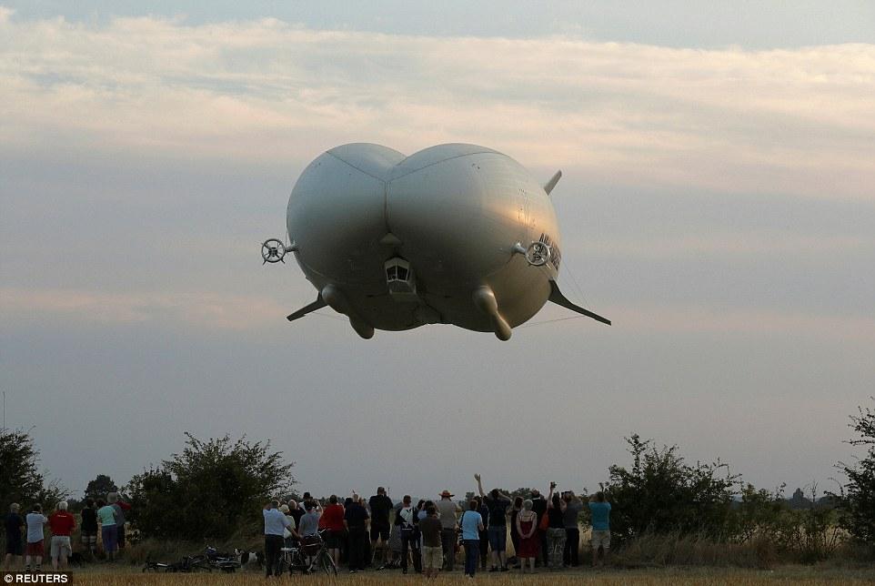 «У нас получилось создать комбинацию таких видов воздушного транспорта, как самолет с неизменяемой г