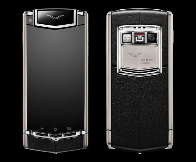5. Первый полноценный смартфон Vertu Ti увидел свет в феврале 2013 года. А в 2014 года был выпущен S