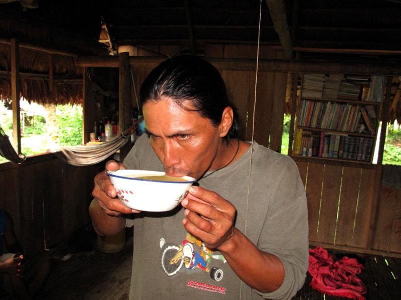 Чича изобретена инками более шести столетий назад, ирецепт завека неизменился: женщины пережё