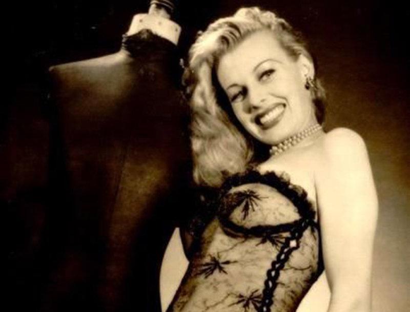 Сира Марти — первая звезда бурлеска из Швейцарии