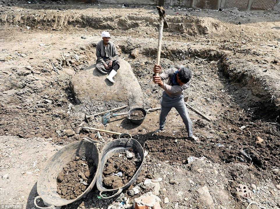 По словам главы немецкой команды археологов Дитриха Рае, древние египтяне верили, что Гелиополис — э