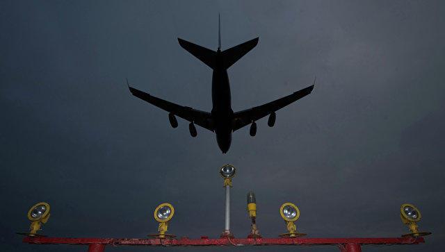 Неменее 60 рейсов задержали в столичных аэропортах из-за сильной метели